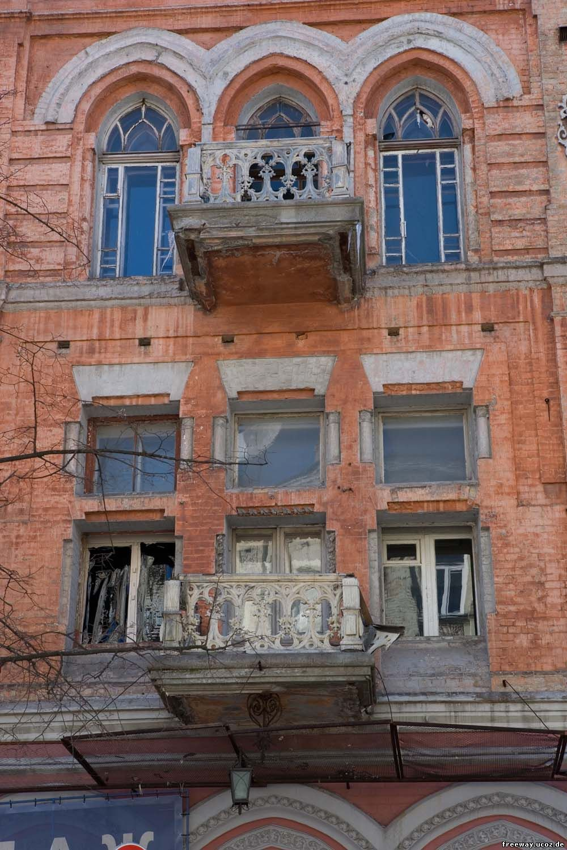 замок Подгорского (балкон)