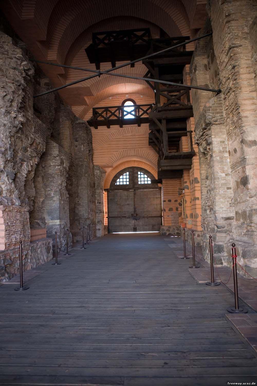 Золотые Ворота (изнутри)