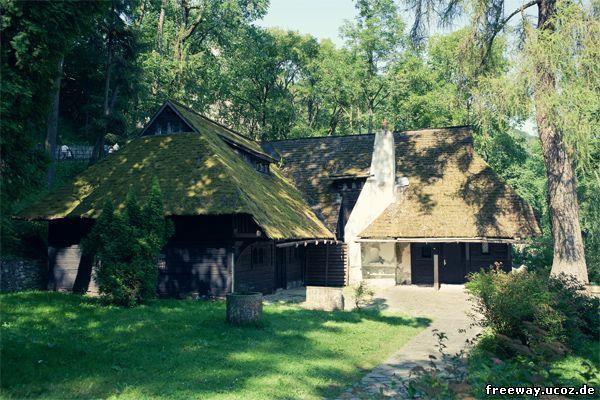 Хозяйственная постройка около замка Bran