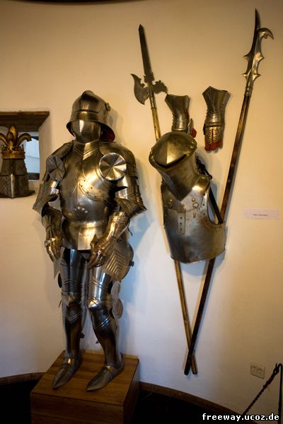 Коллекция доспехов и оружия