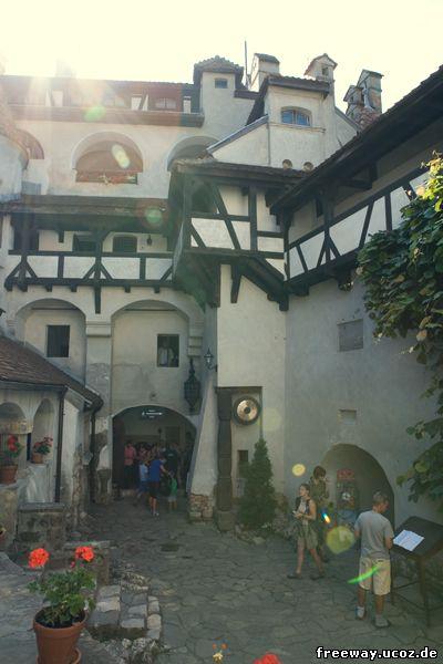 Внутренний дворик замка Bran