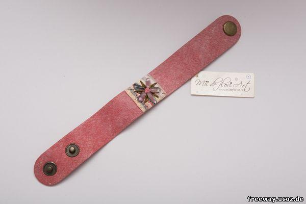 Замшевый браслет от Mii de flori Art (18 RON).