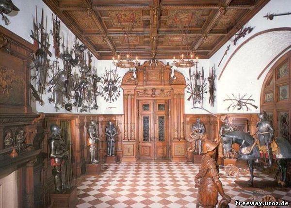 Замок Peles. Зал оружия (Salile de arme)
