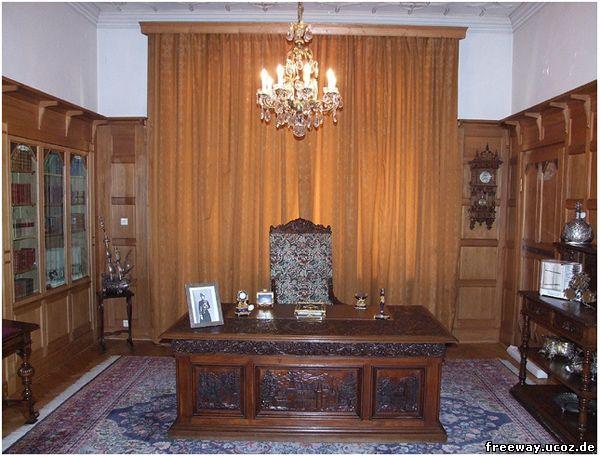 Замок Pelisor. Кабинет Фердинанда (Biroul regelui Ferdinand)